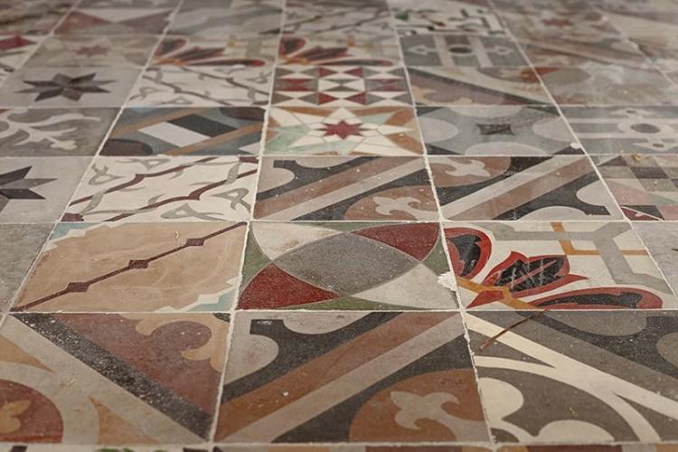 can-blau-hydraulic-tiles